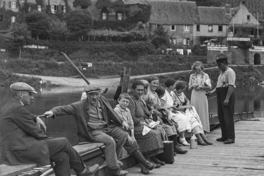 Fähre mit Personen um 1935